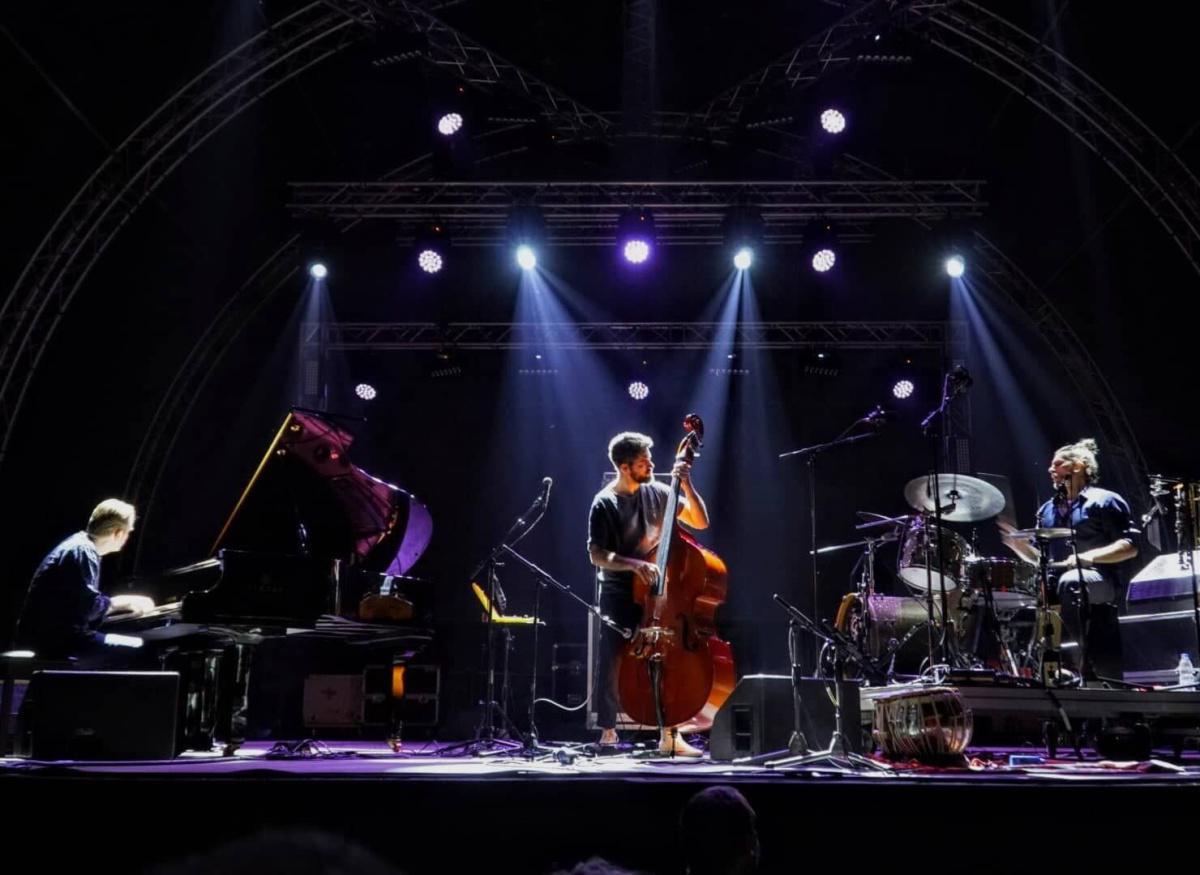 Petros Klampanis Trio feat. Kristjan Randalu & Bodek Janke (USA/EST)