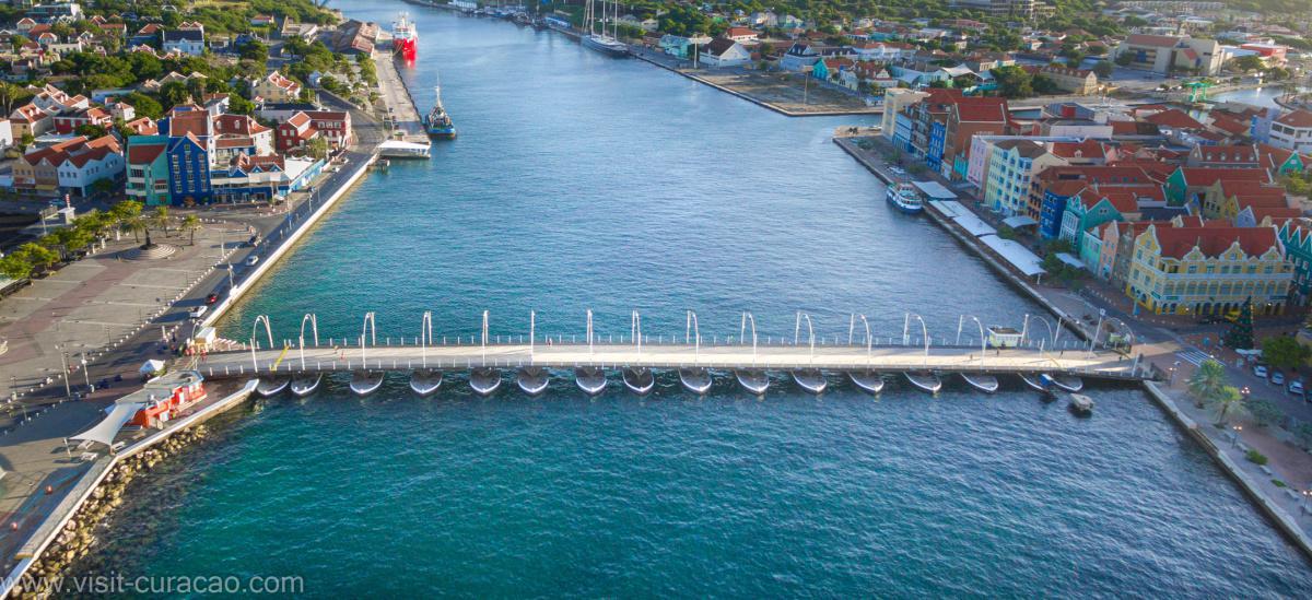 Queen Emma Pontoon Bridge (world's only pontoon bridge)