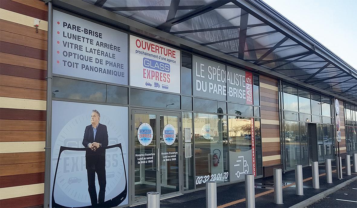 Nouvel espace Glass Express au Centre Commercial Carrefour Grand Évreux