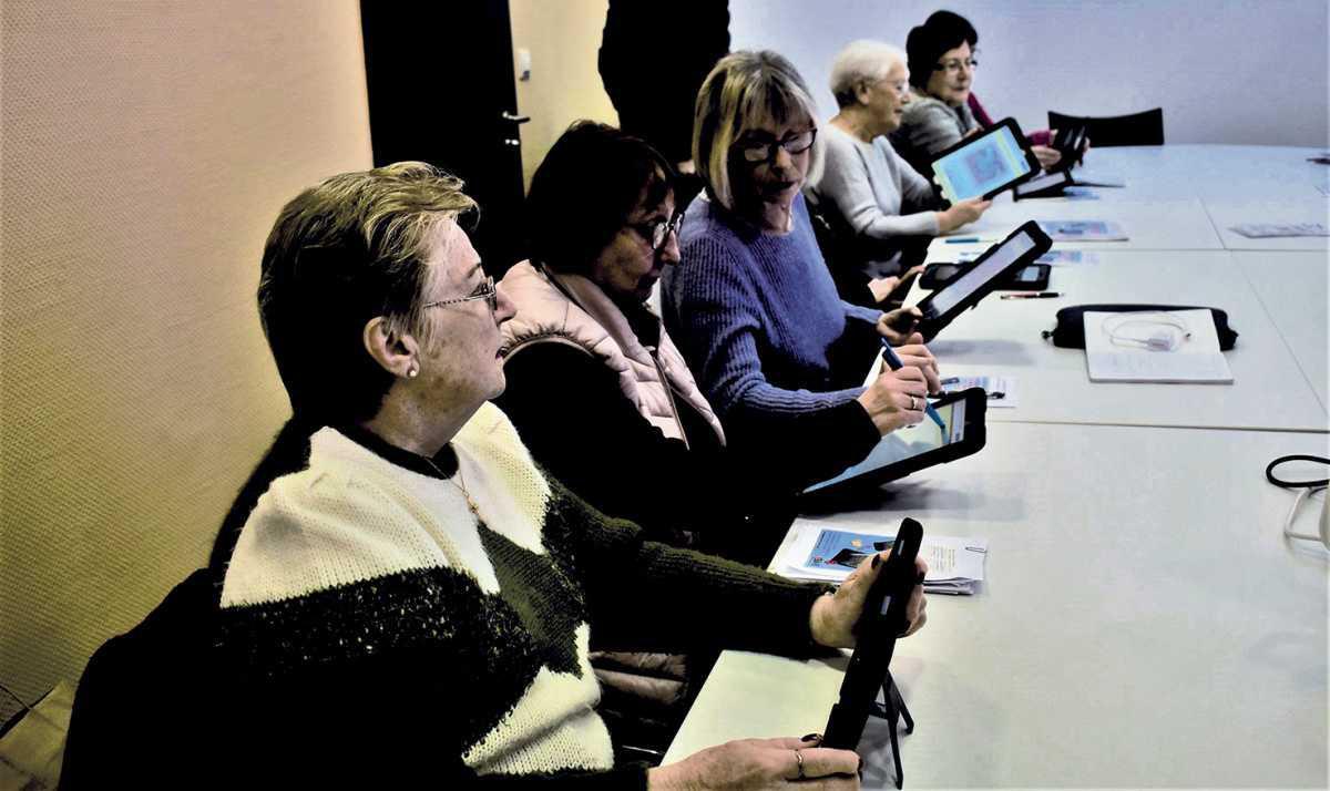 Des ateliers pour initier les ainés à la tablette numérique