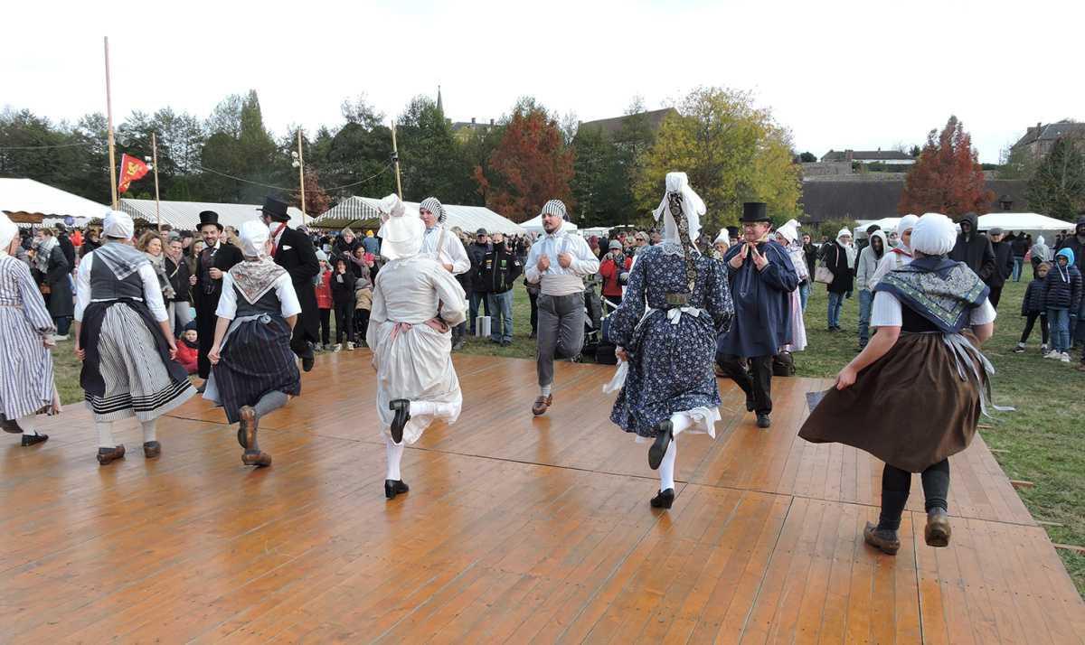 Les « Pierrots de la vallée », ambassadeurs du folklore Normand