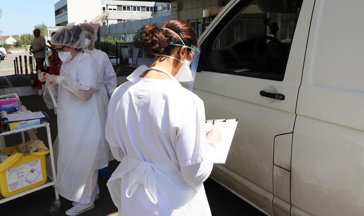 L'hôpital organise un dépistage Covid-19 en drive