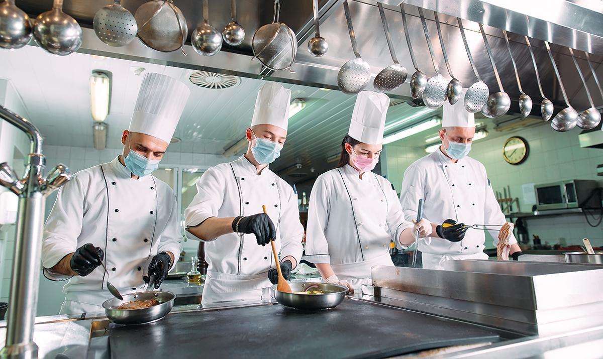 Les restaurateurs s'adaptent aux mesures sanitaires