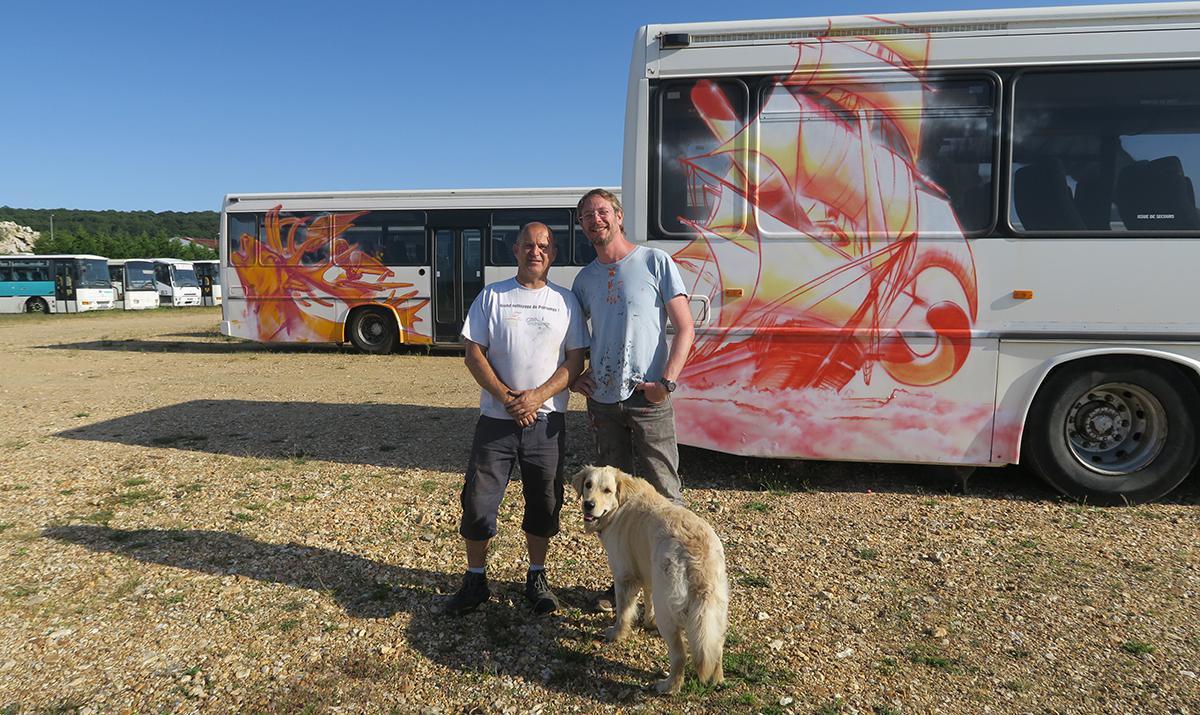 Saussay : une flotte de bus comme support artistique !