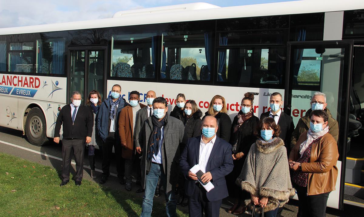 La Région signe un DEFI pour former des conducteurs de bus