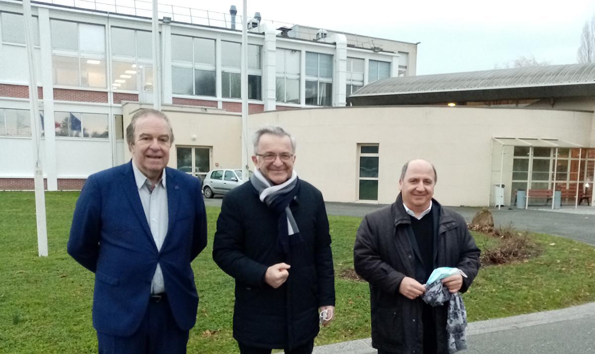 Les élus de la Région Centre-Val de Loire en visite chez Delpharm