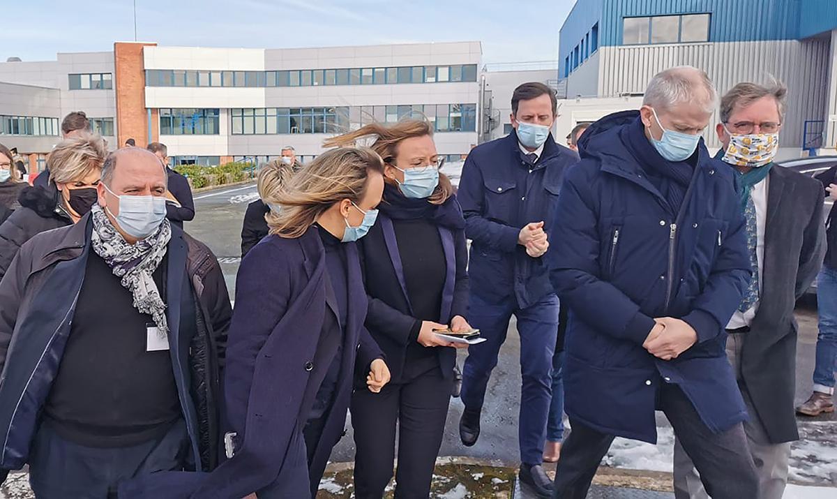 Un ministre en visite aux laboratoires LEO Pharma