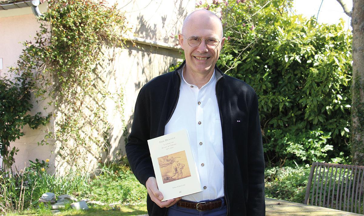 Alain Denizet conte le roman vrai du curé de Châtenay