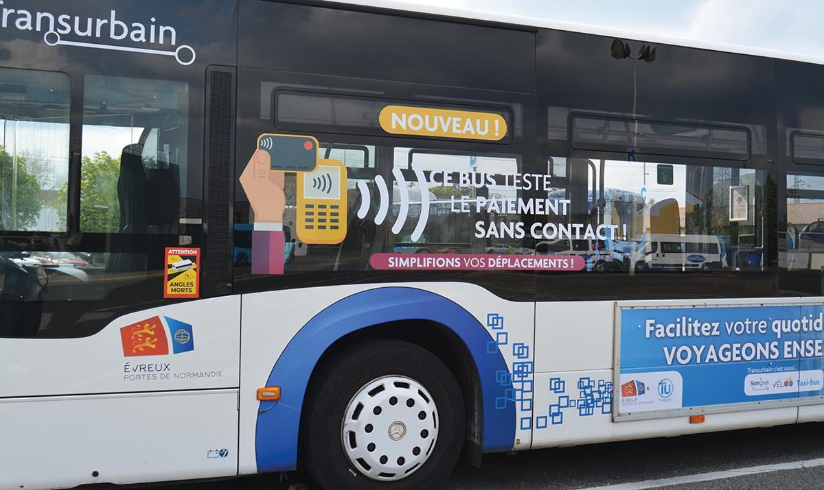 Deux bus à l'essai permettant le paiement sans contact