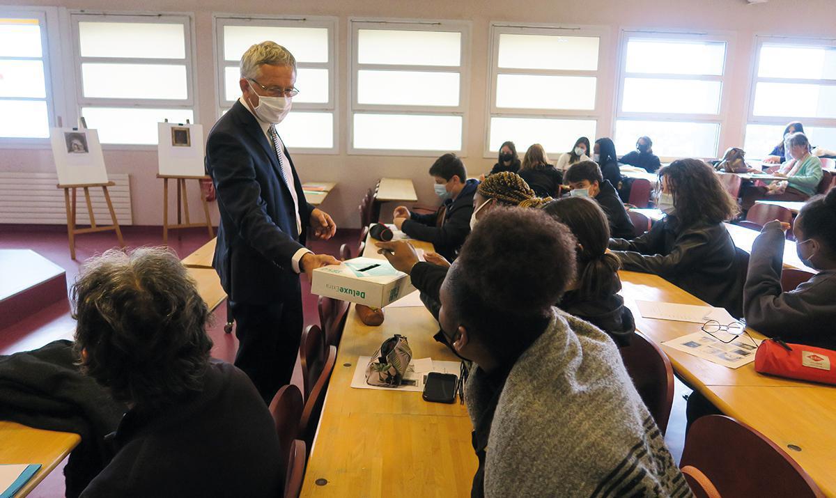 Des élèves du lycée Branly ont voté pour la restauration d'œuvres