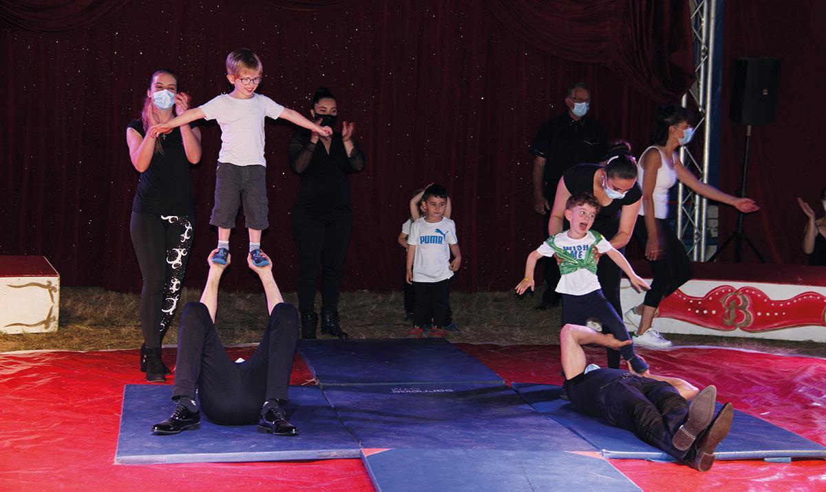 Les maternelles de Chérisy à l'école du cirque