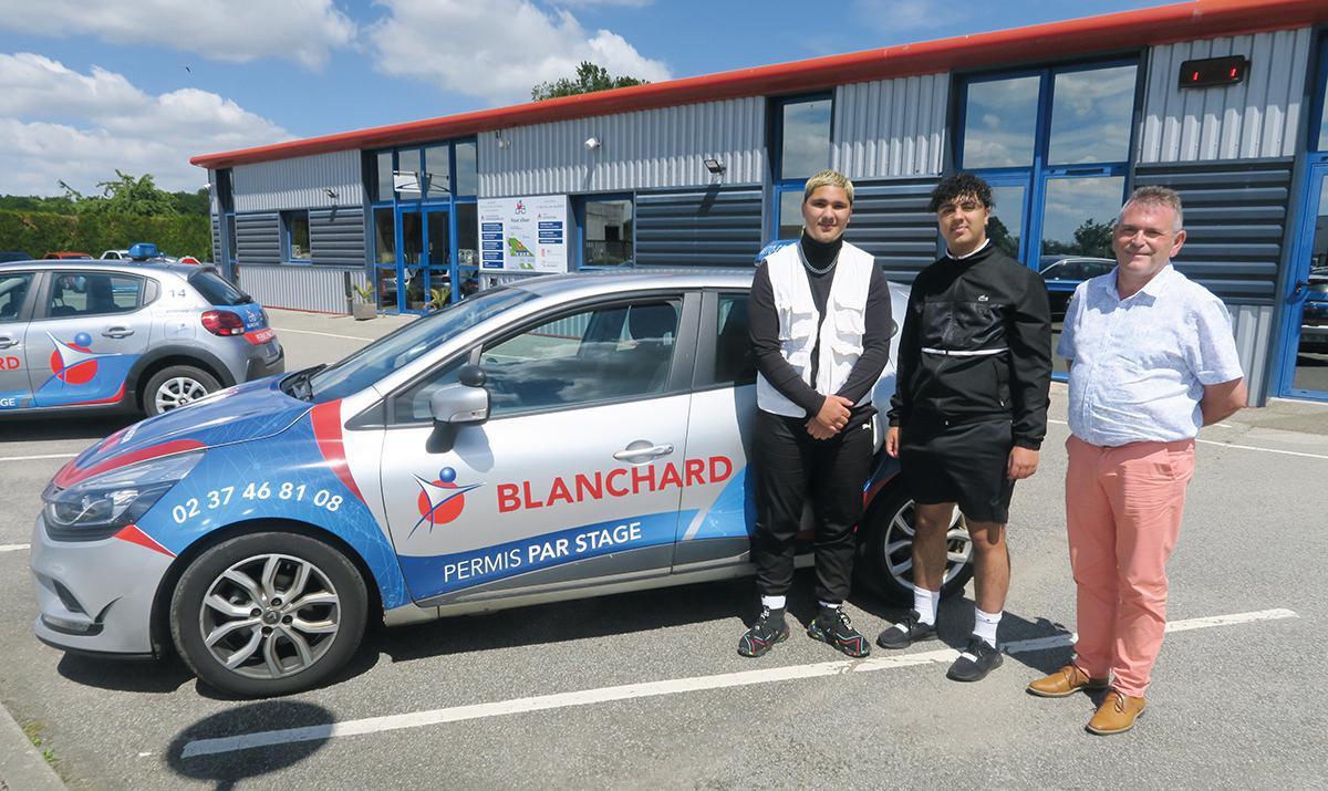 Adem & Bilal passent le permis au Centre de Formation Blanchard