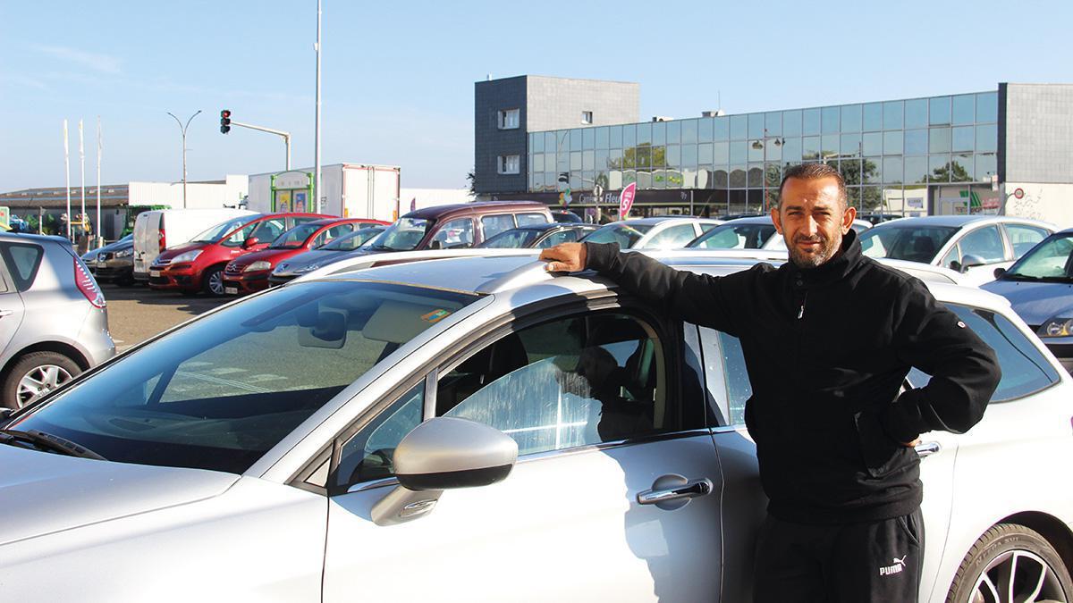 Omur Yilmaz restaure des véhicules à fort kilométrage