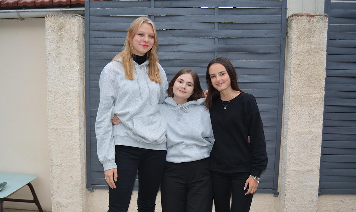 Trois jeunes étrangères en immersion linguistique