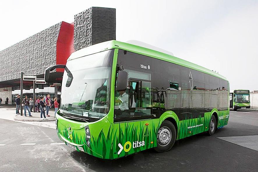 Reizen met bus en tram is vanaf vandaag gratis op Tenerife