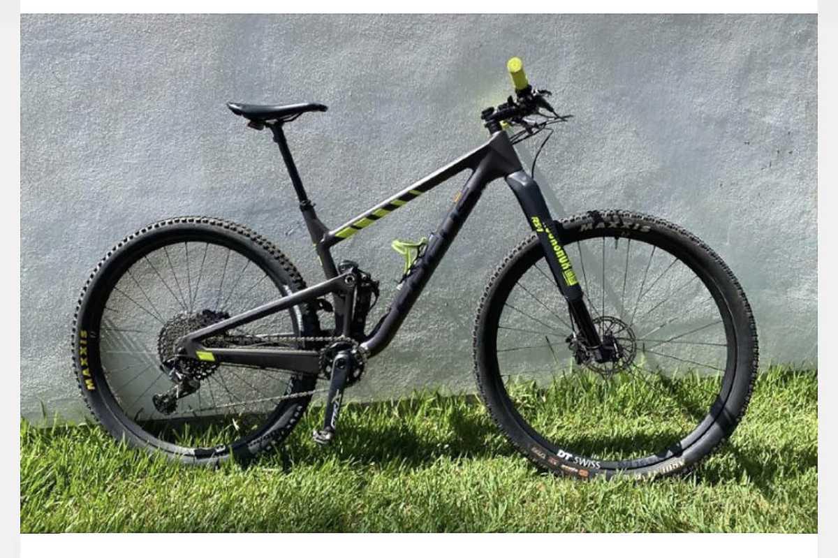 Ik ben op zoek naar een mountainbike voor heren - lengte 1,86 m.