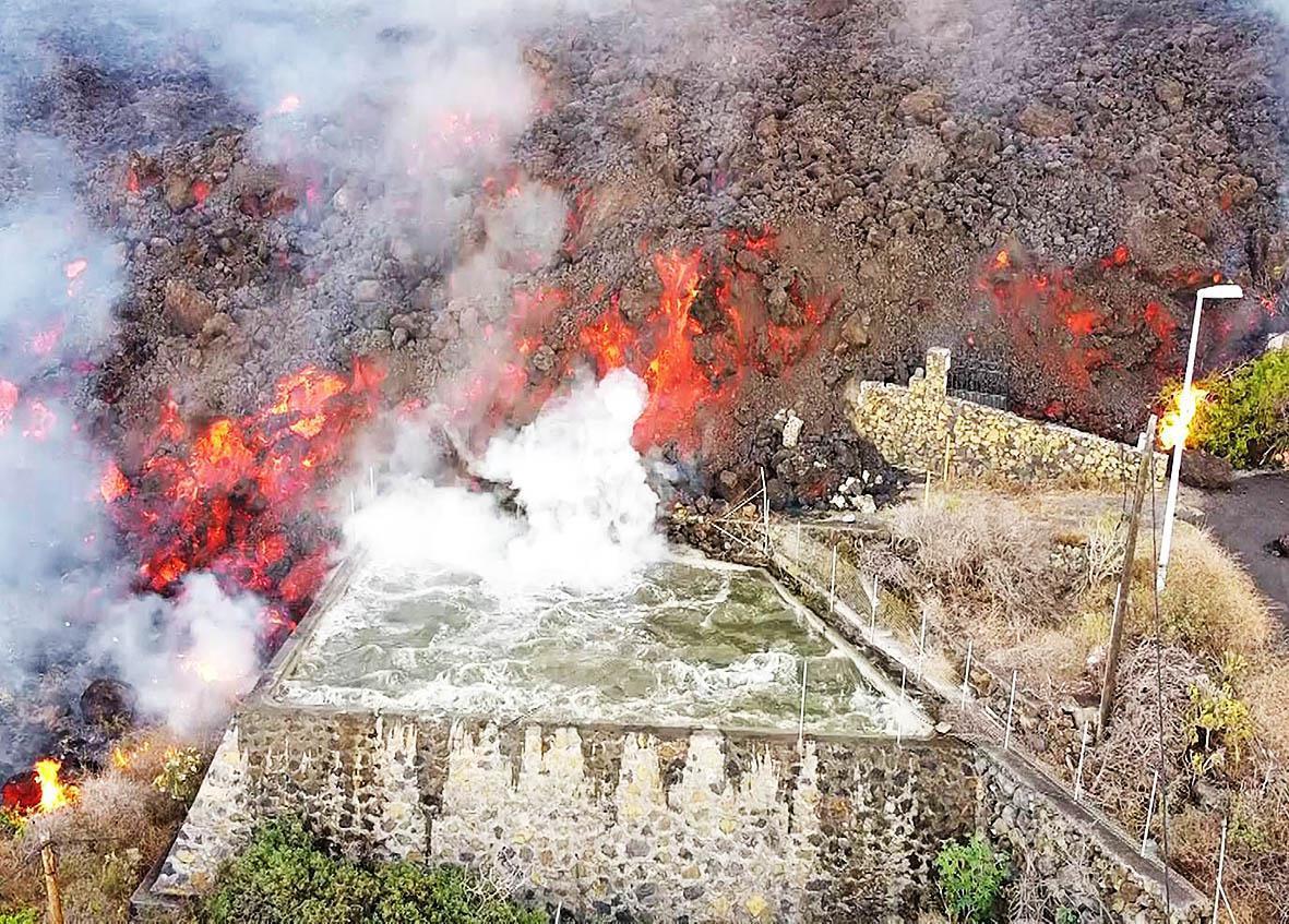 Schokkende luchtbeelden van de vulkaan op La Palma