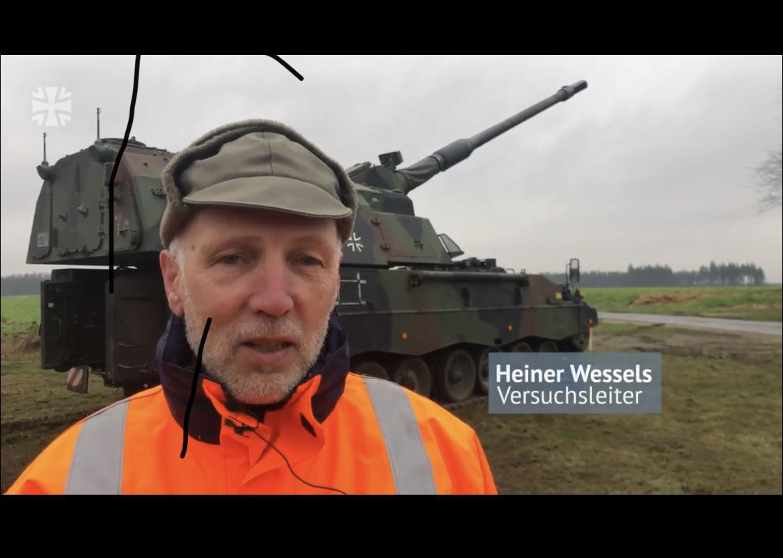 WTD91 erprobt Artillerie-Munition mit der Panzerhaubitze 2000
