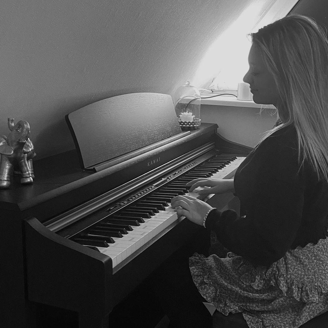 Lathenerin produziert ersten eigenen Song