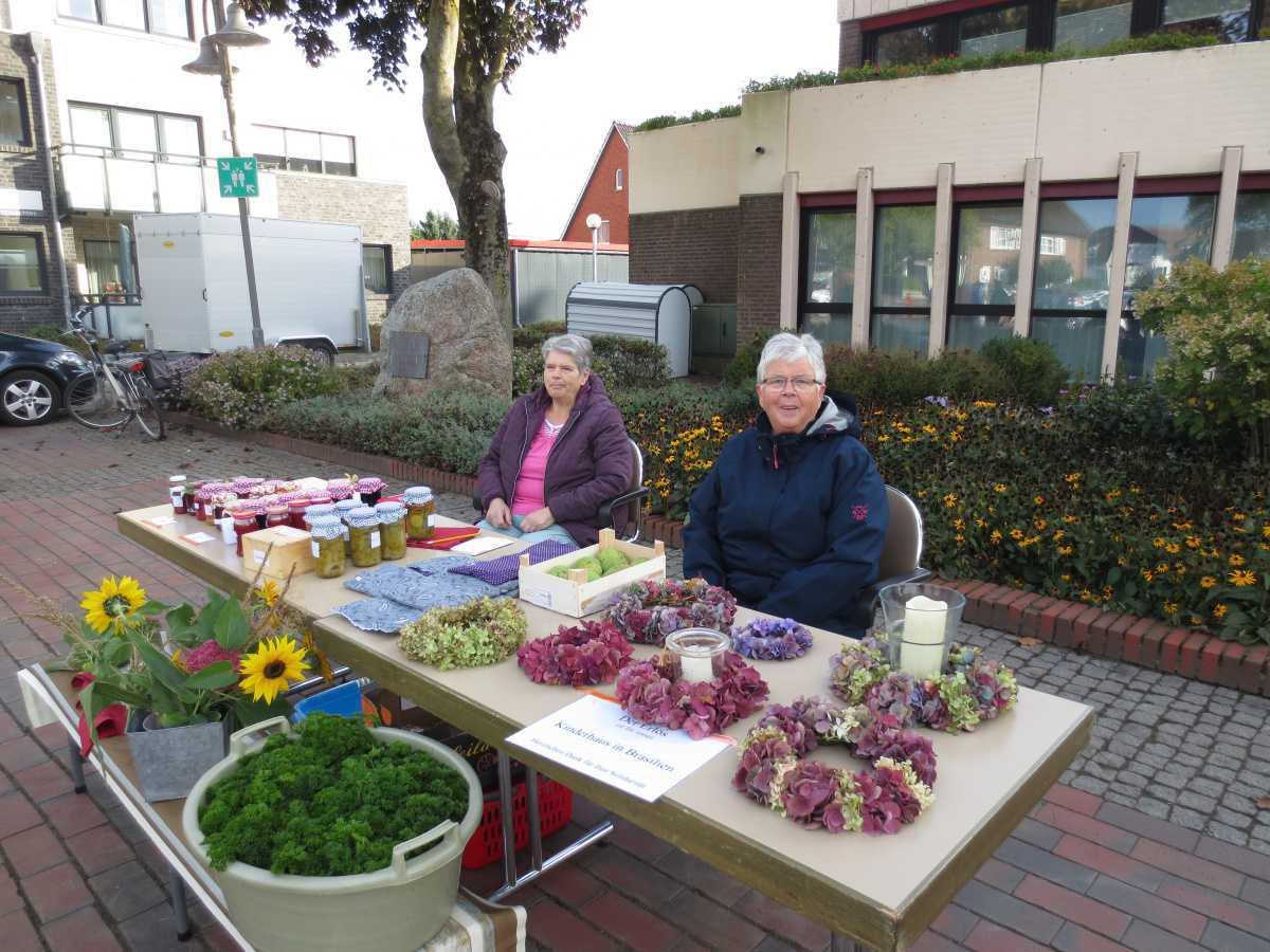 Bildnachlese vom kleinen Bauernmarkt auf dem Lathener Wochenmarkt