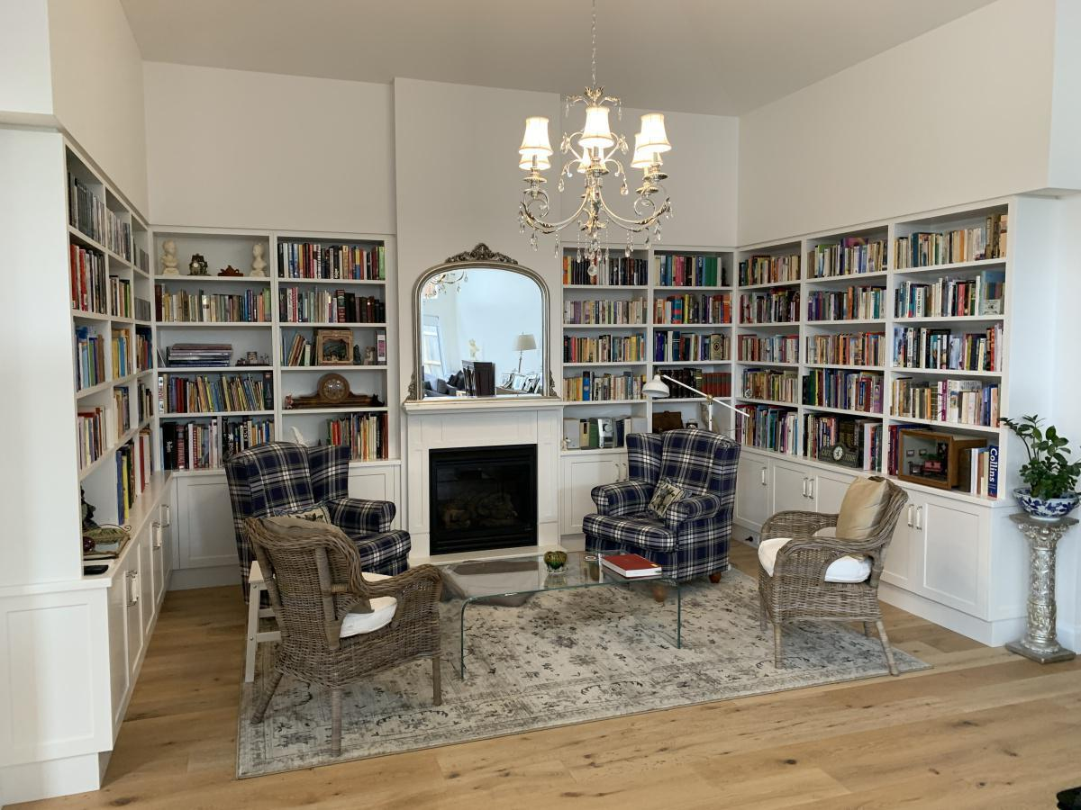 The Best Booknooks and Bookshelves For BookWorms