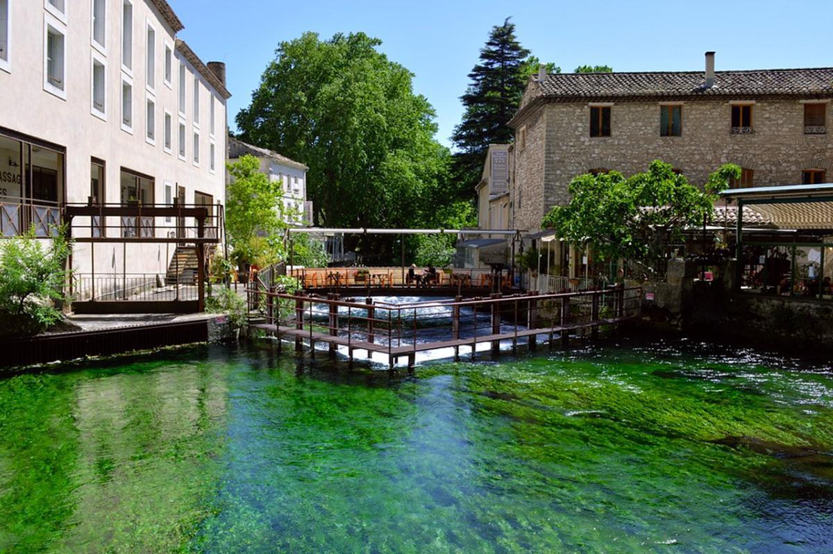Avignon + Fontaine de Vaucluse