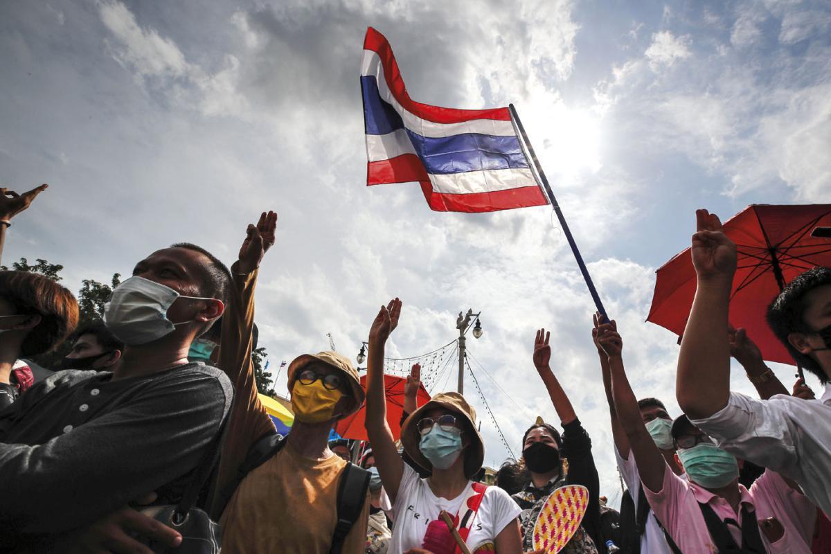Protestos pela democracia