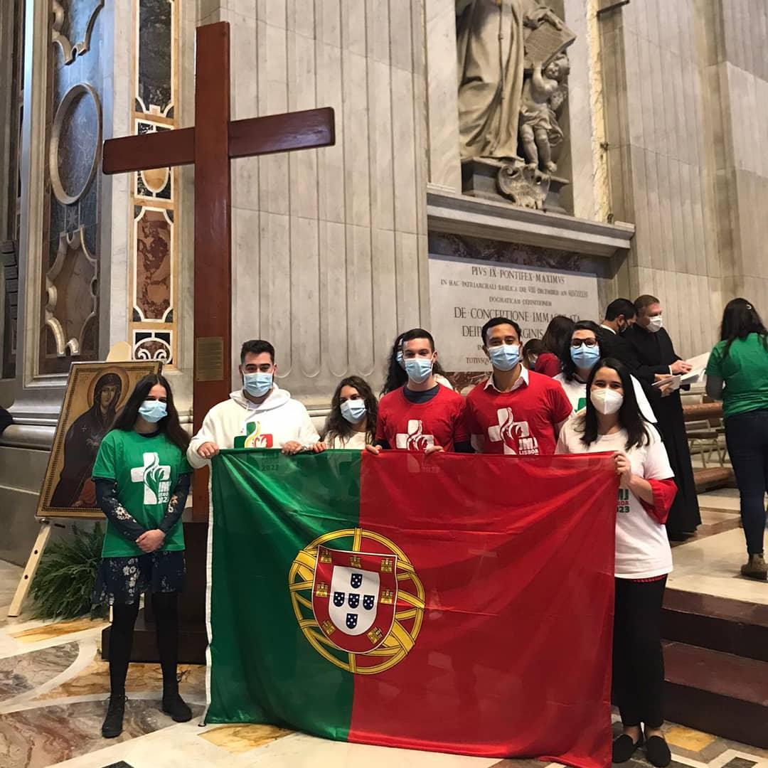 Jovens portugueses recebem os símbolos das JMJ