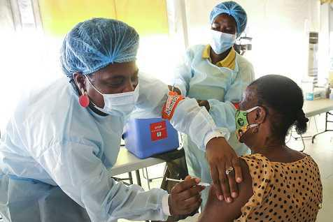 Acesso justo e universal às vacinas