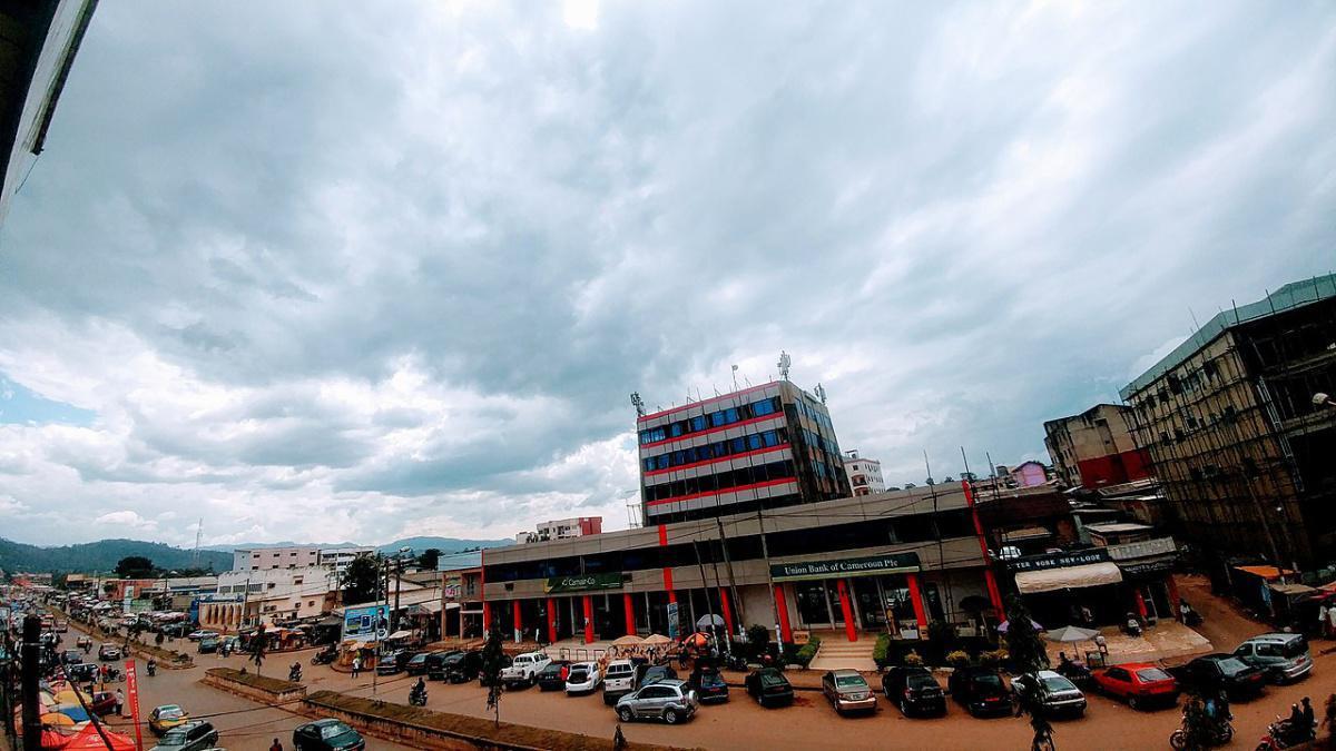 Camarões: bispos pedem paz