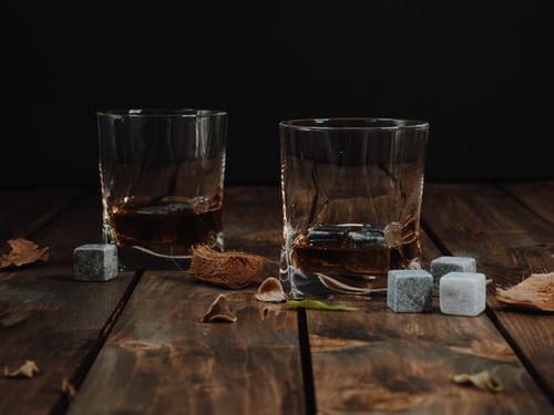 Whisky & Whiskey