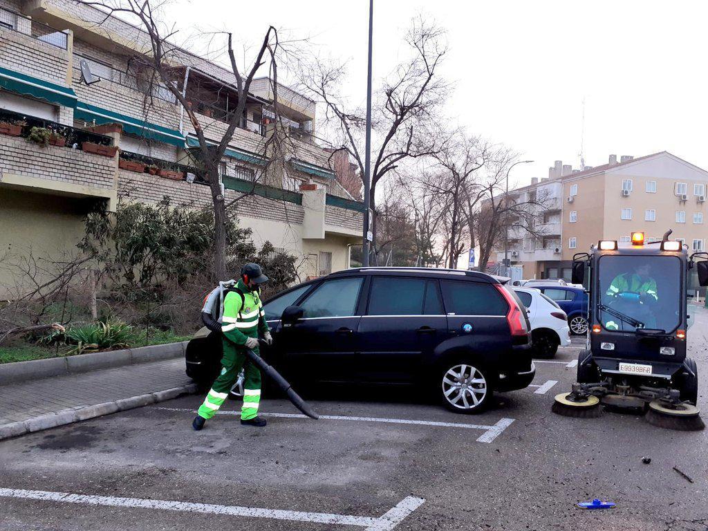 """En marcha un plan especial de limpieza y baldeo de calles tras la borrasca """"Filomena"""""""