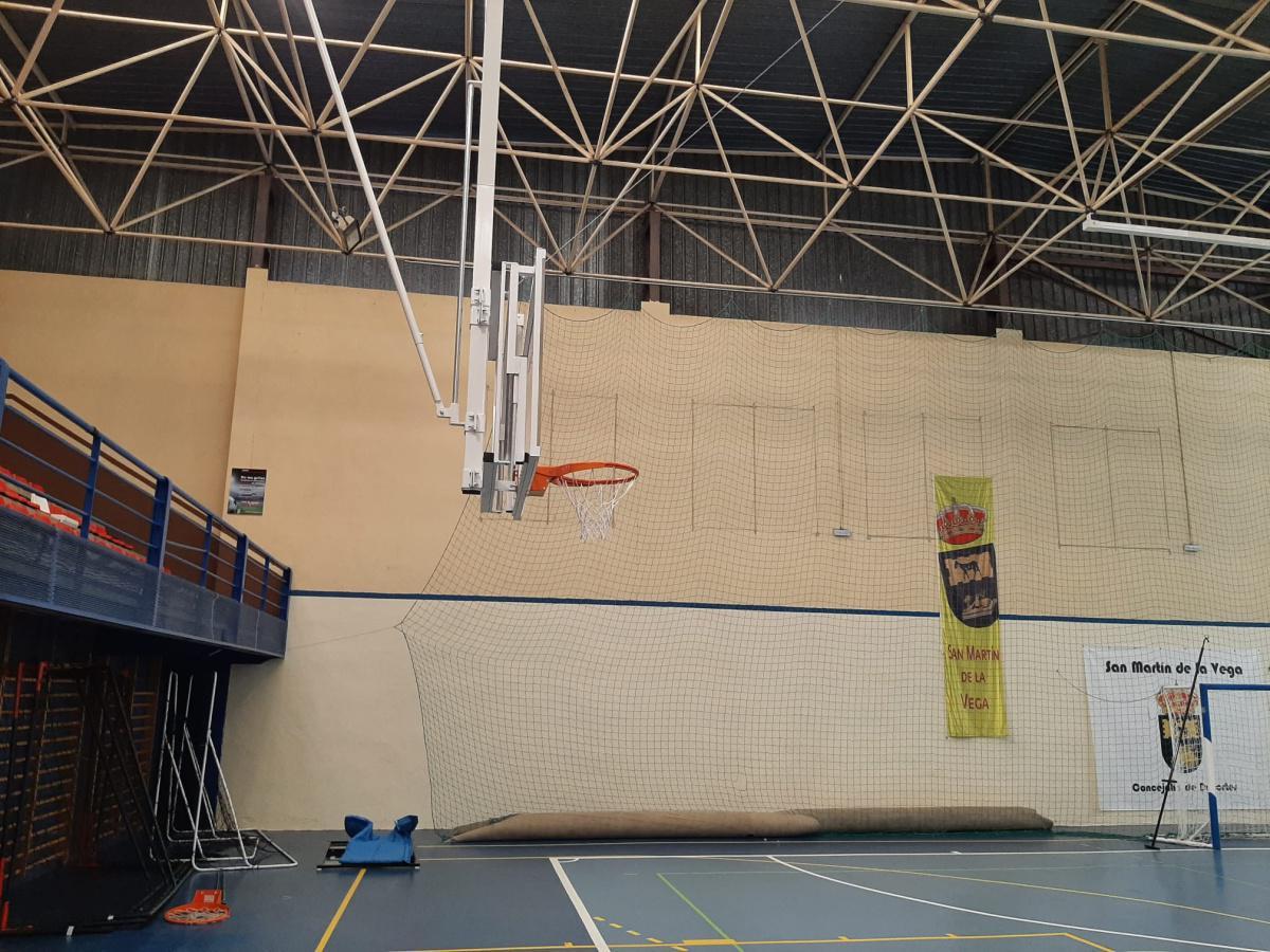 Finalizada la instalación de dos nuevas canastas automatizadas en el Polideportivo Municipal