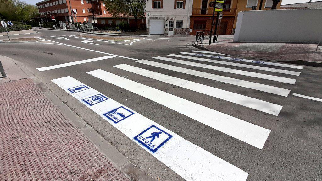 Los pasos de peatones incorporarán pictogramas dirigidos a personas con TEA