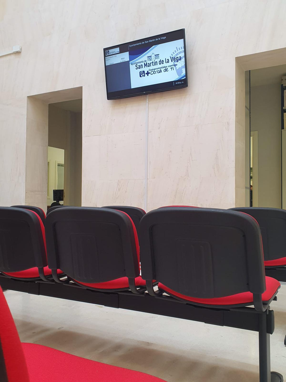 El Ayuntamiento estrena nuevo sistema de turnos y zona de espera para trámites