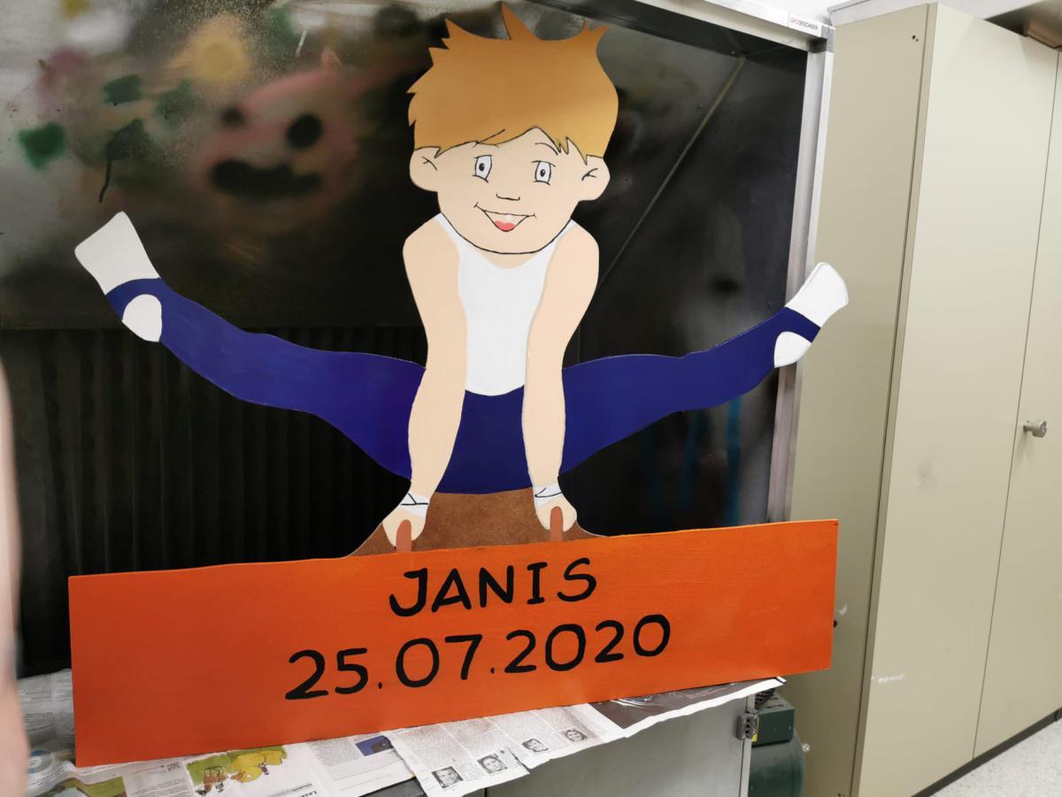 Herzlich willkommen Janis!