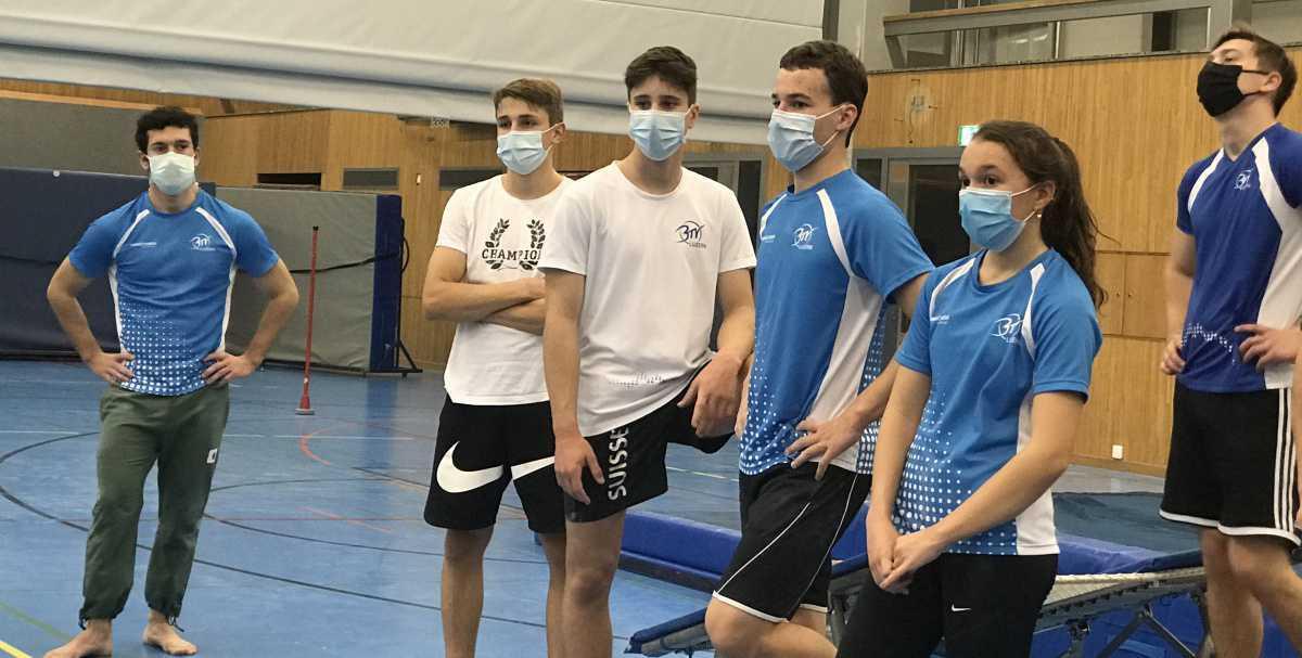 Wir trainieren mit Schutzmaske