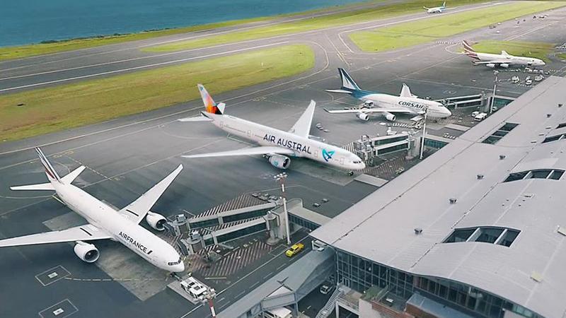 Ecotaxe sur les billets d'avions : colère générale