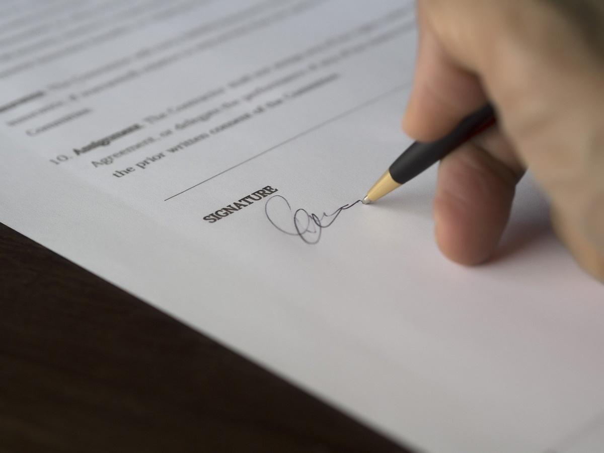 La CFTC, la CFDT et le MEDEF signent une déclaration commune....