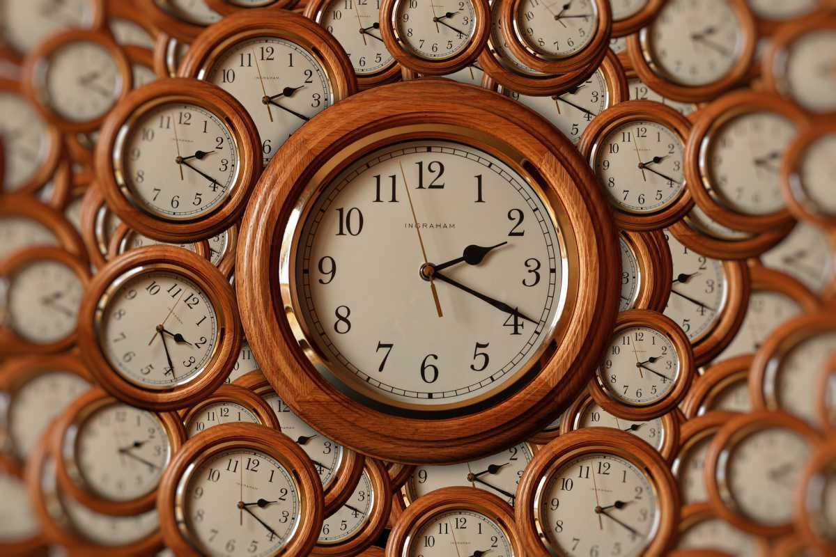 Litige sur des heures de délégation prises les dimanches et jours fériés.