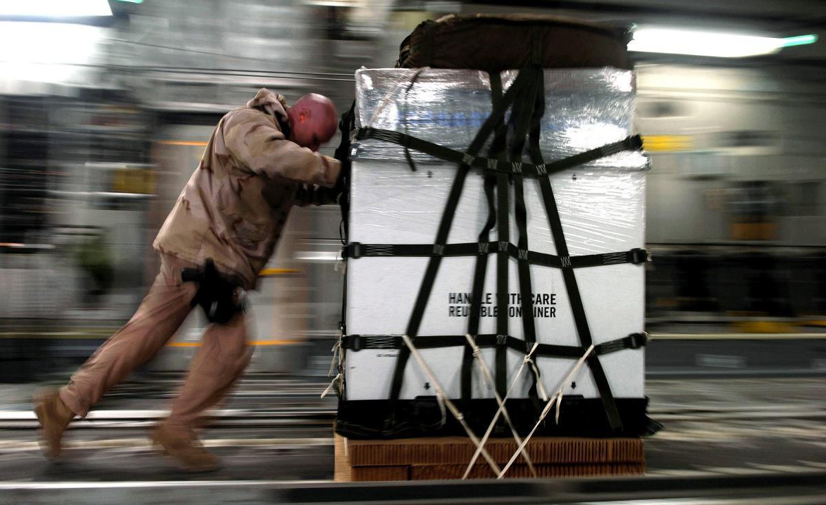 TRANSPORT DE VACCINS: UN CASSE-TÊTE LOGISTIQUE POUR LE FRET AÉRIEN