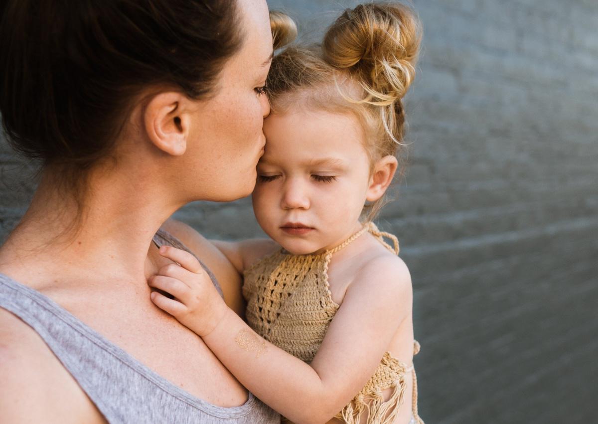 Un congé supplémentaire peut être réservé aux mères par une convention collective.