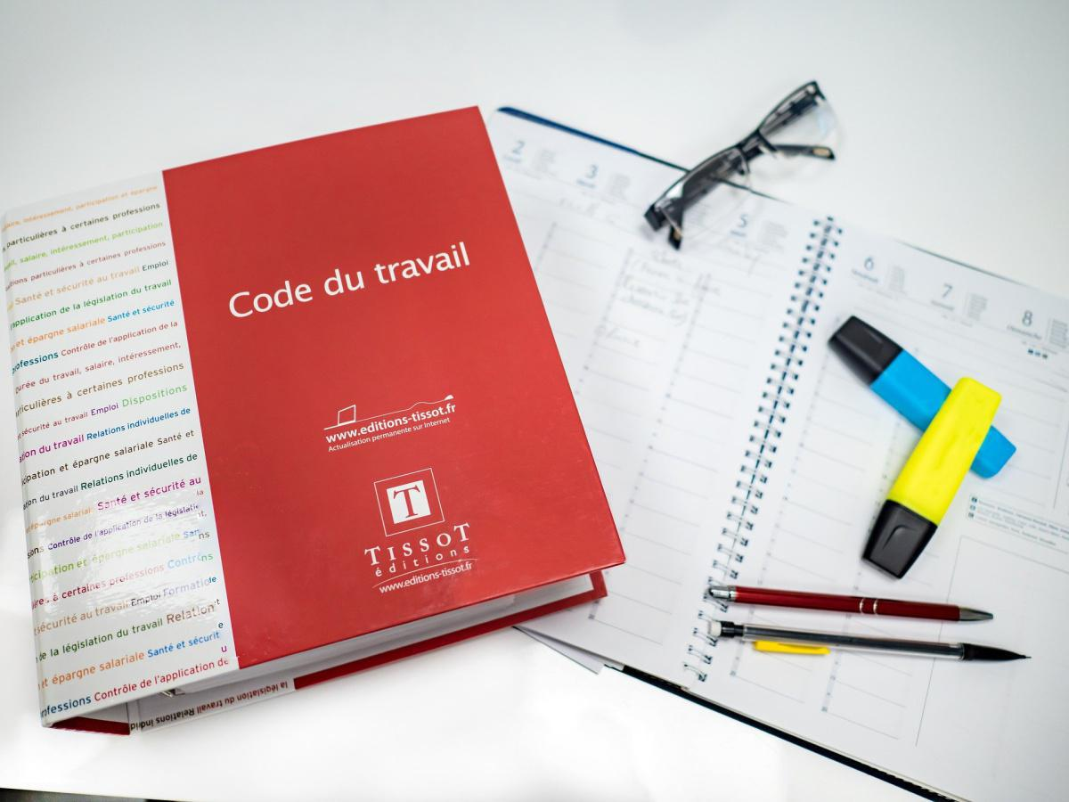 Congés payés, RTT, CDD : Code du travail assoupli jusqu'au 30 juin 2021.