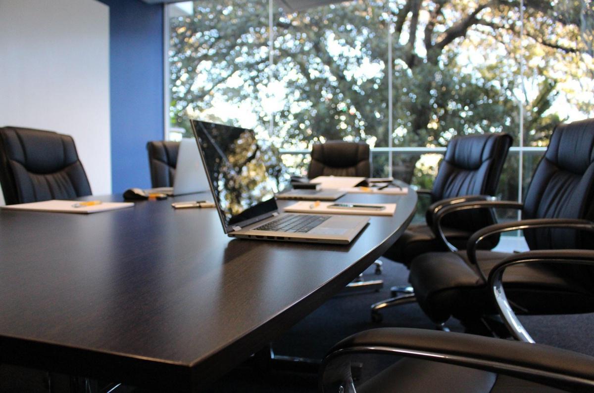 Qui peut représenter l'employeur pour présider la CSSCT ?