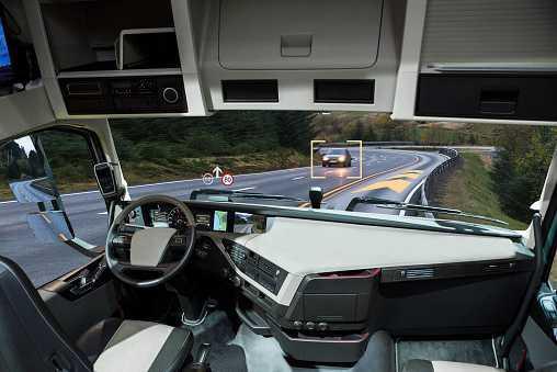 Une députée demande la climatisation pour les chauffeurs dormant dans leur camion.