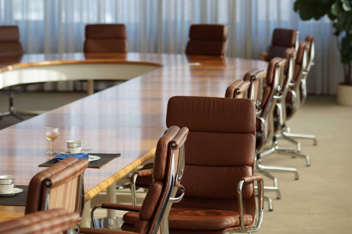 L'arrêt maladie de membres du CSE peut-il justifier un dépassement du crédit d'heures ?