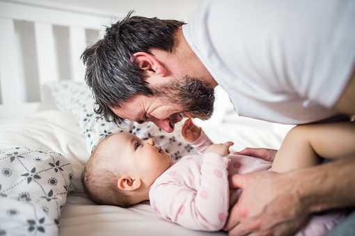 Congé paternité : de nouvelles formalités pour l'employeur!
