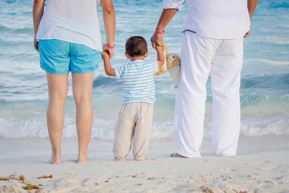 Vacances : les salariés avec enfants sont-ils prioritaires sur les dates ?