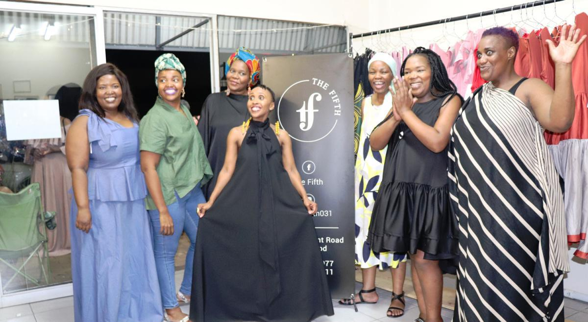 Six fashionistas jointly launch 'The Fifth' clothing shop