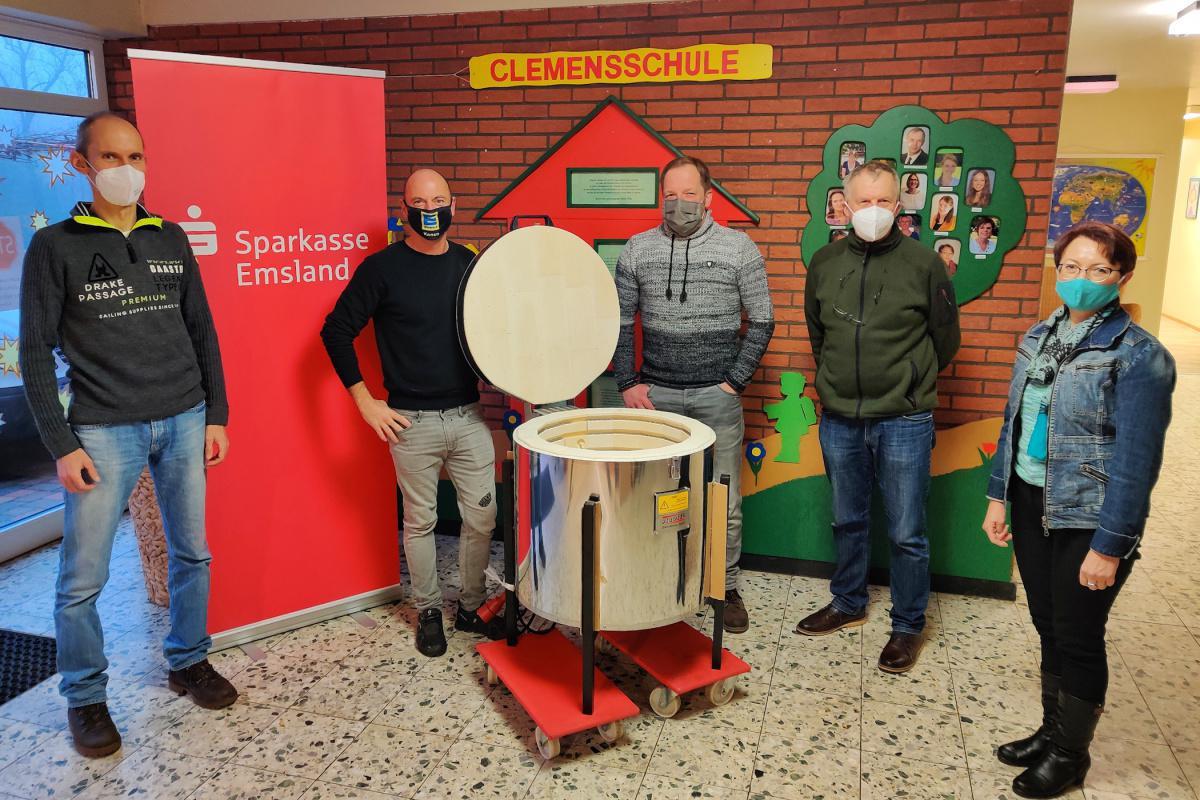 """""""Heißes Geschenk"""" für Grundschule Wesuwe"""